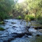 Trabajo de topografía en Río Cuervo en Cuenca